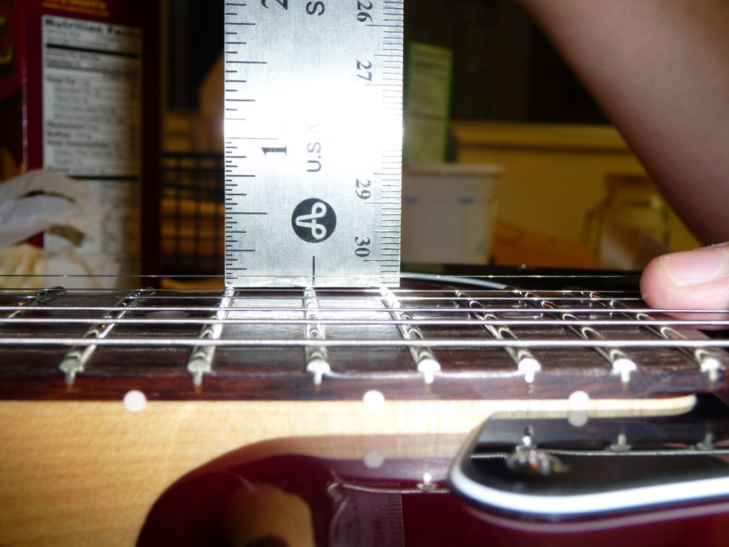 Deluxe Stratocaster High E String Height 4/64""